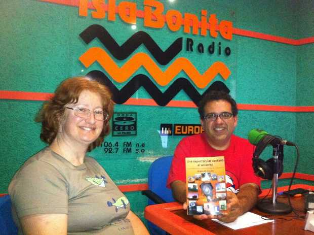 Sheila Crosby and Miguel Angel Pérez Calero talking about 'A Breathtaking Window on the Universe' at Onda Cero radio station.